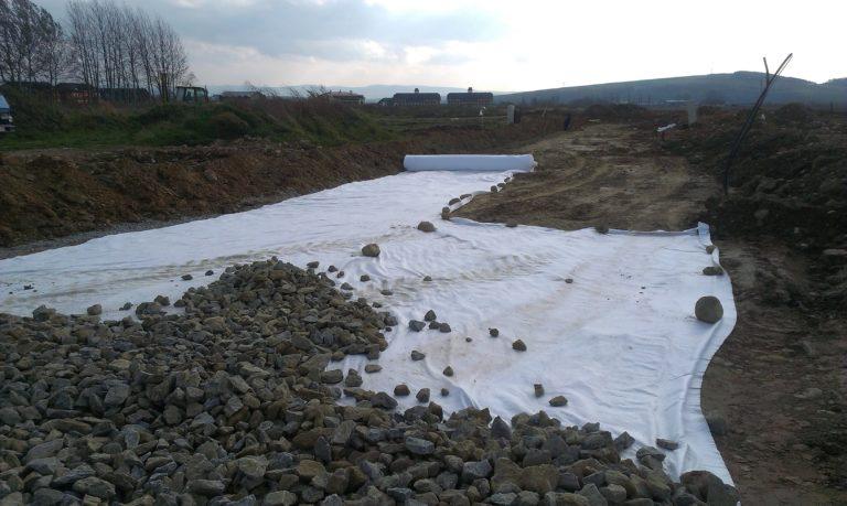 aplikácia geotextílie Tatratex